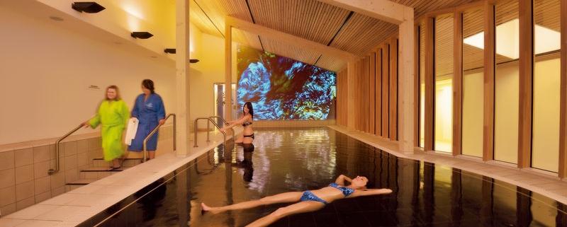 Salzwasserlagune in der Thermenwelt im Vitarium der Rottal Terme