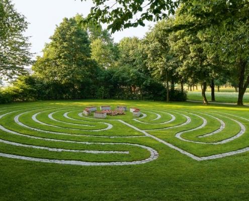 Bodenlabyrinth auf dem Meditationsweg im Kurpark Bad Birnbach