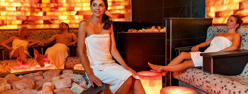 Salzsteingrotte in der Saunawelt im Vitarium der Rottal Terme