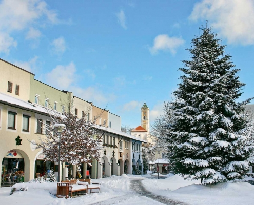 Neuer Marktplatz von Bad Birnbach im Winter