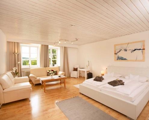 Großzügige Ferienwohnung in Bad Birnbach mit komplett ausgestatteter Küche