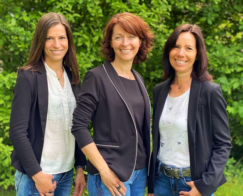 Mitarbeiterinnen an der Rezeption des Hotels Alter Weißbräu in Bad Birnbach